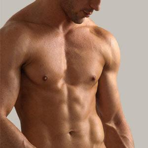 Η αποτρίχωση στήθους γίνεται όλο και πιο δημοφιλής στους άνδρες σήμερα. Η εικόνα του τριχωτού ανδρικού στήθους πλέον παραπέμπει σε περασμένες δεκαετίες.